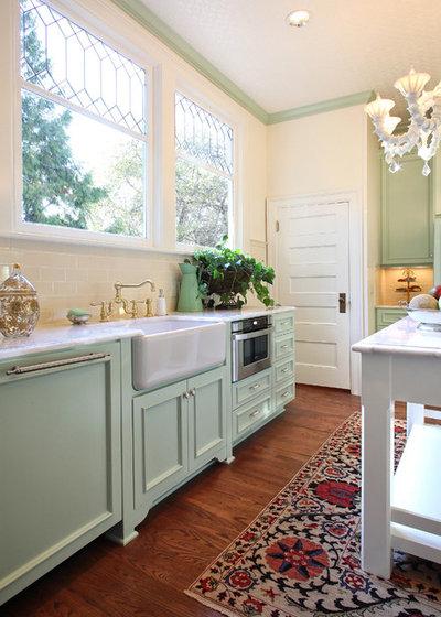 Traditional Kitchen by Garrison Hullinger Interior Design Inc.