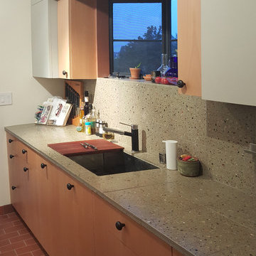 1907 Lucile Ave. Kitchen