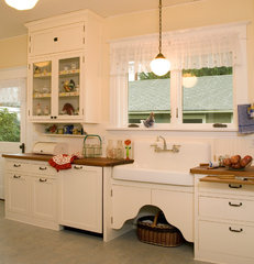 traditional kitchen by Sadro Design Studio Inc.