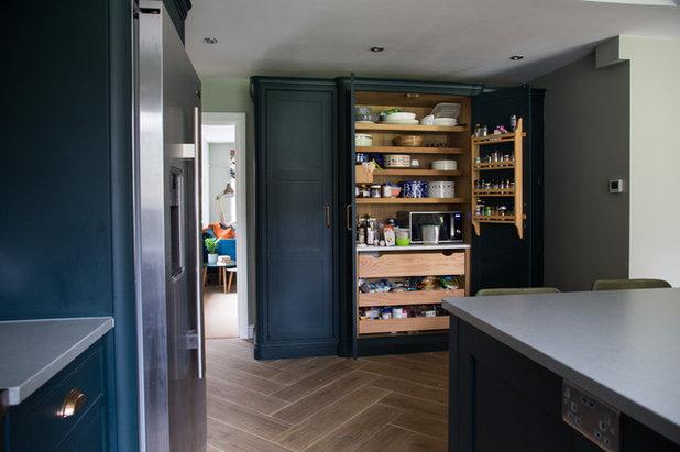 トランジショナル キッチン by Smartstyle Interiors