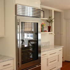 Beach Style Kitchen by J. Kramer Corp.