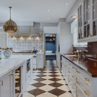 Traditional kitchen appliance - Example of a classic kitchen design in Santa Barbara