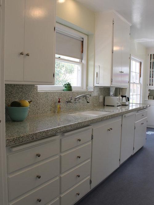 cuisine exotique avec un sol en linol um photos et id es d co de cuisines. Black Bedroom Furniture Sets. Home Design Ideas