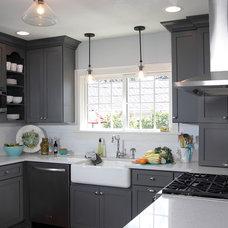 Modern Kitchen by Advantage Carpentry & Remodeling, LLC
