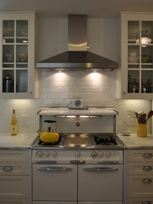 Wedgewood Stove on country kitchen backsplash ideas