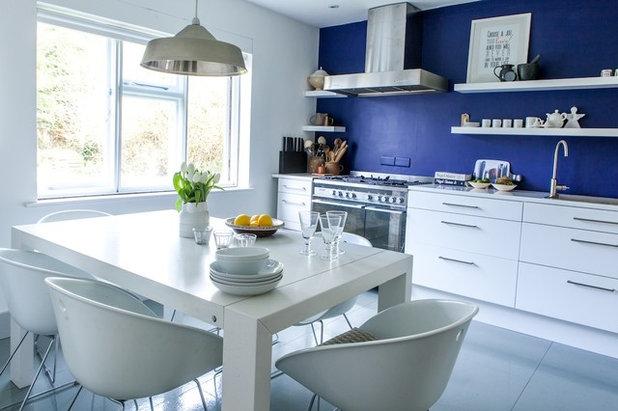 Beach Style Kitchen by Gabriel Holland Interior Design