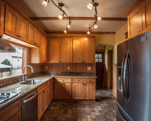 Natural Maple Shaker Cabinets | Houzz