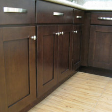 Contemporary Kitchen Cabinetry by Glenn Rogers Cabinet Broker