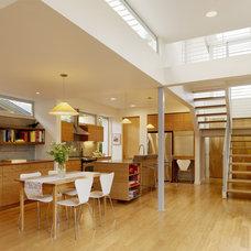 Modern Kitchen by Feldman Architecture, Inc.