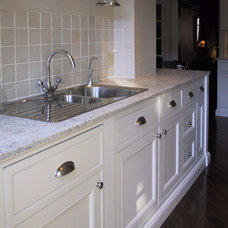 Traditional Kitchen by Rowlands Associates Inc.