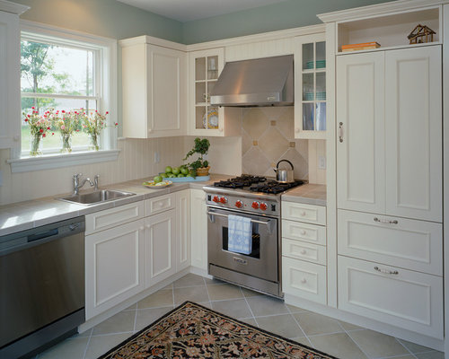 Wainscot backsplash home design ideas pictures remodel - Wainscoting kitchen cabinets ...