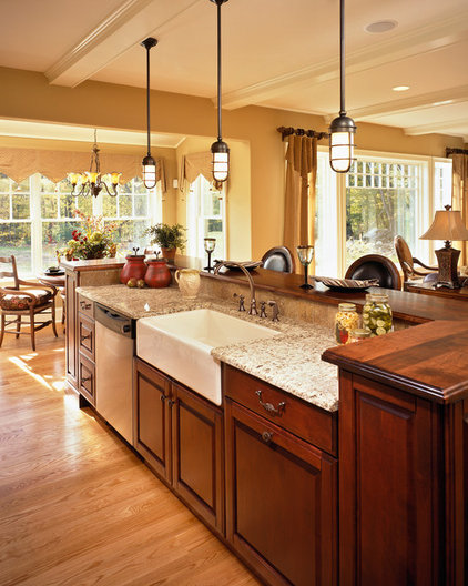 Traditional Kitchen by Witt Construction