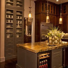 Traditional Kitchen by MSA ARCHITECTURE + INTERIORS