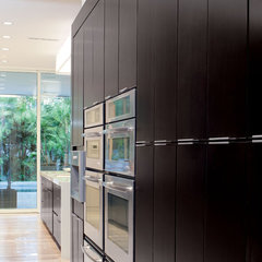 contemporary kitchen by Phil Kean Designs