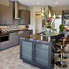 Contemporary Kitchen by AUSTIN DESIGN GROUP