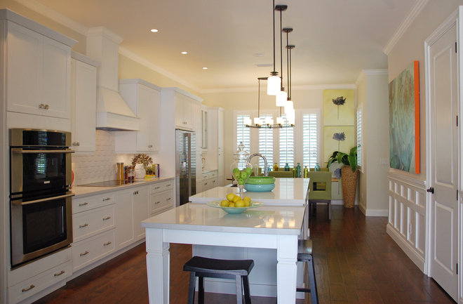 Farmhouse Kitchen by Keesee and Associates, Inc.
