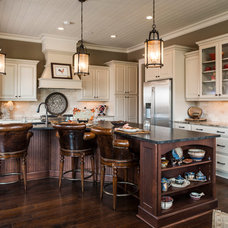 Traditional Kitchen by Currahee Club