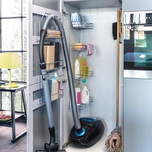 placard balai photos et id es d co. Black Bedroom Furniture Sets. Home Design Ideas