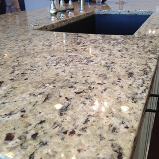 Delicieux Kitchen Photo In Other With An Undermount Sink, Granite Countertops And An  Island
