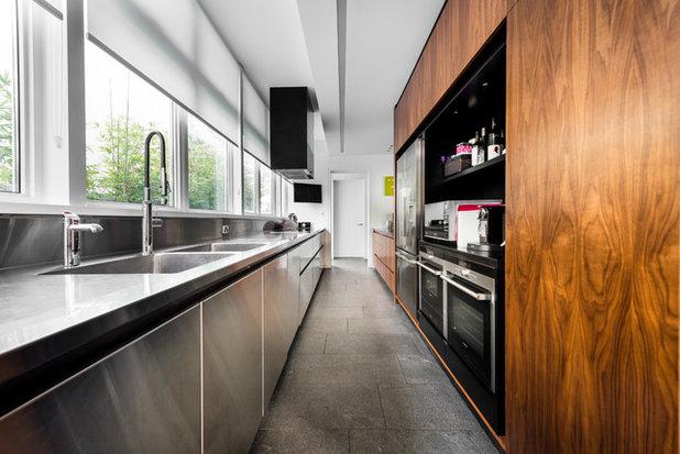 Modern Kitchen by Building Designers Association of WA (BDAWA)