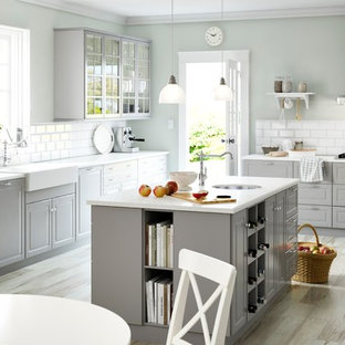 Traditional kitchen appliance - Inspiration for a timeless kitchen remodel in Other