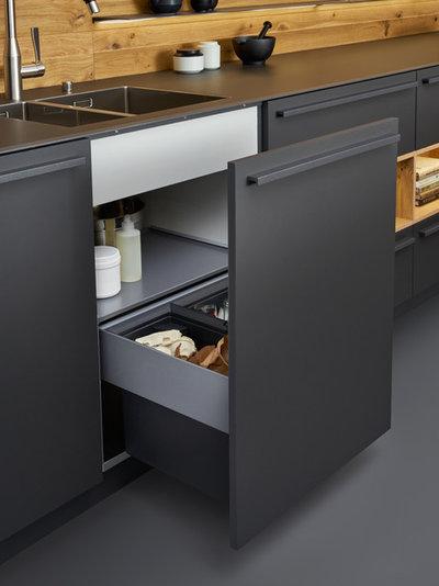 Modern Kitchen by Leicht Westchester-Greenwich
