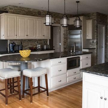 2018 | Lake Forest Freshen Up: Kitchen + Breakfast Area
