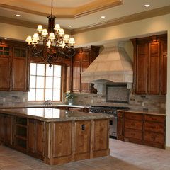 traditional kitchen by Bella Villa Design Studio