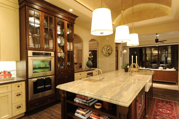 Traditional Kitchen by Herridge & Assoc., Inc.