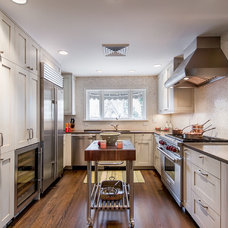 Contemporary Kitchen by Teri Fotheringham Photography