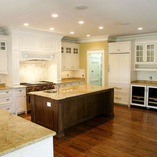 Traditional Kitchen by Robert Nehrebecky AIA, Re:New Architecture
