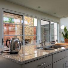 Modern Kitchen by Richard Wintersole Architect