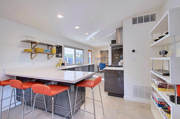 Midcentury Kitchen by Real Estate Judge