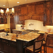 Traditional Kitchen by McReynolds Designs