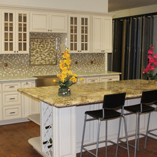 Traditional Kitchen by Glenn Rogers Cabinet Broker