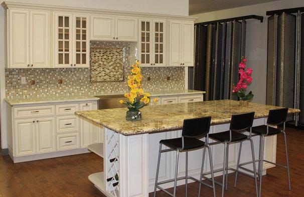 Traditional Kitchen by Glenn Rogers Cabinet Broker