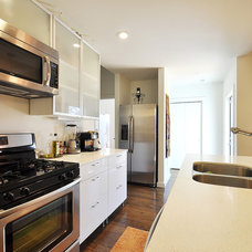 Contemporary Kitchen by Beck-Reit and Sons, Ltd