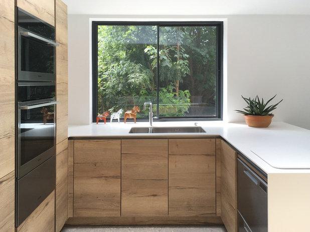 Contemporary Kitchen by MTA Architecture & Design