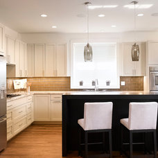 Modern Kitchen by JALIN Design, LLC