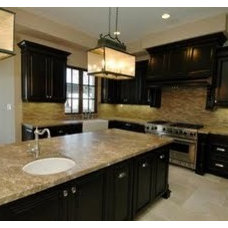 Traditional Kitchen by greige/Fluegge Interior Design, Inc.