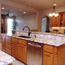 Kitchen by Douglas Custom Homes