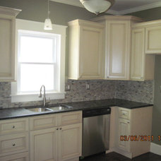 Traditional Kitchen by MRM Project Management