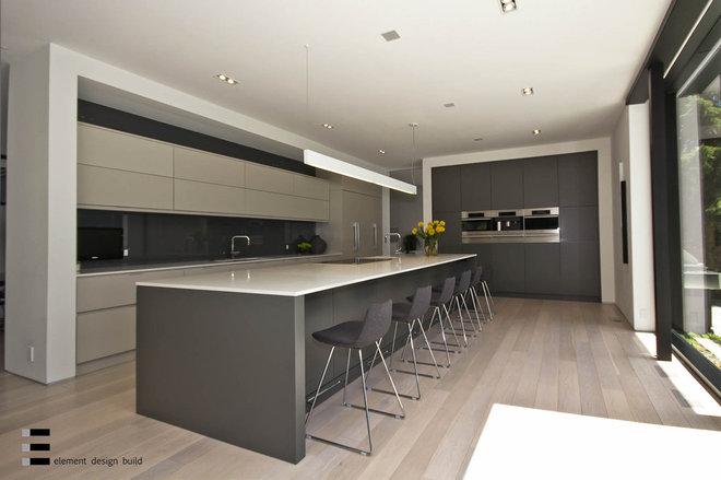 Modern Kitchen by Element Design Build Inc.