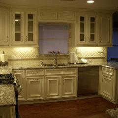 traditional kitchen by MRK Design