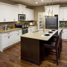Traditional Kitchen by Cedarglen Homes