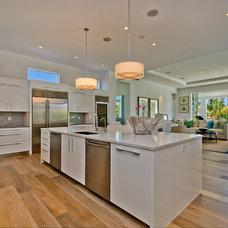 Modern Kitchen by Kukk Architecture & Design P.A.