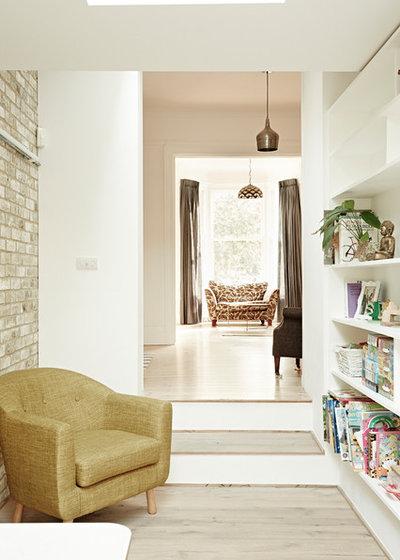 Contemporary Kitchen by ARCHEA Ltd