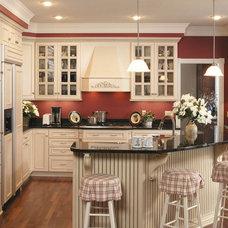 Farmhouse Kitchen by RE•BATH® 5 Day Kitchens™