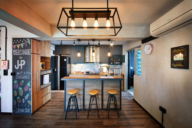 Industrial Kitchen by The Local INN.terior Pte. Ltd.