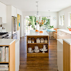 Contemporary Kitchen by Jessica Helgerson Interior Design